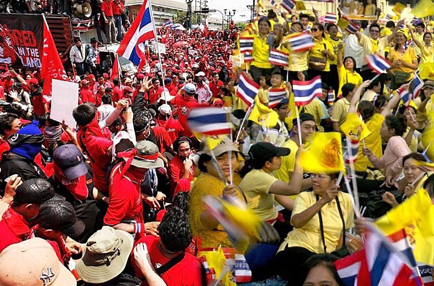 เสื้อแดง เสื้อเหลือง